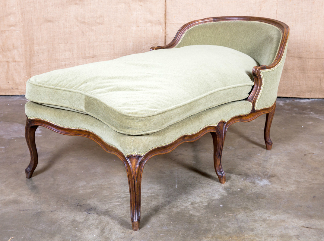 Lolo french antiques french louis xv style petite chaise for Chaise style louis xiv